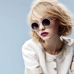 Lily Rose Depp, die berühmte Tochter von Johnny Depp und Vanessa Paradis, ist mit ihren zarten 16 Jahren bereits das Kampagnen-Gesicht von Chanel.