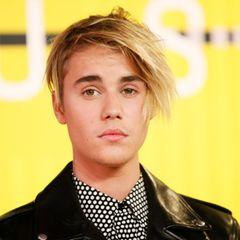 ...und Justin Bieber, mit neuer Friese androgyn wie nie.