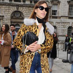 Rock'n'Roll, Baby! So wild wie das Straßenbild der englischen Hauptstadt ist hier auch die exzentrische Mode. Ob Material-Mix oder die Kombination aus Vintage- und Designerteilen – der London-Style ist ausgeflippt und unangepasst.