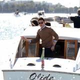 Eddie Redmyane wird mit dem Wassertaxi vorgefahren.