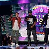 """Rapper Ice Cube und die Schauspieler des Films """"Straight Outta Compton"""", Corey Hawkins, Jason Mitchell und O'Shea Jackson Jr, eröffnen die Preisverleihung."""