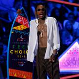 "Wiz Khalifa bekommt den ""Teen Choice Award"" für seinen Song ""See You Again""."