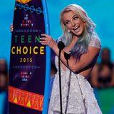 Britney Spears ist die Stilikone der Jugend und darf dafür ein Surfbrett mit nach Hause nehmen.