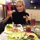 Stars + ihr Essen: Heidi Klum genießt Dim Sums, Garnelen und Carpacchio im asiatischen Stil.