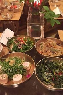 Ernährung + Diät: Supermodel Gisele Bundchen kann sich bei ihrem Besuch in Korea für die heimische Küche begeistern. Klar, es gibt ja viel Grünes und viel wenig Gekochtes, echtes Modelterrain also.