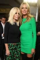 Designerin Donatella Versace und Heidi Klum passen zur Fashion-Show farblich besonders gut zusammen.