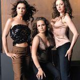 """Da die Halliwell-Schwestern nur als """"die mächtigen Drei"""" gegen die Unterwelt bestehen können, muss für Shannen Doherty Ersatz gefunden werden. Ab der vierten Staffel nimmt daher Rose McGowan ihren Platz ein. Als Paige, die bis dato unbekannte Halbschwester, kämpft sie bis zum Serienende an der Seite von Piper und Phoebe."""