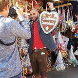Matze Knop geht verkleidet als Bayern-Trainer Pep Guardiola über die Wiesn.