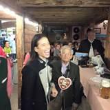 Jorge Gonzalez bringt seinen 94 Jahre alten Papi Gudelio mit auf die Wiesn.