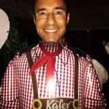 Kai Pflaume strahlt über beide Ohren. Ihm scheint das Oktoberfest sehr gut zu gefallen.