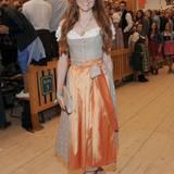Model und Schauspielerin Barbara Meier macht im Dirndl ebenfalls eine gute Figur.