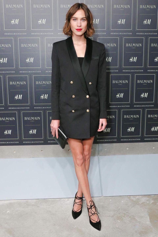 Die britische Moderatoren und It-Girl Alexa Chung im Doppelreiher von Balmain für H&M.