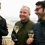 Die Diskussion über die Größe eines Wattwurms sorgt für reichlich Spaß bei Frank Vogel (Gruner + Jahr), Markus Spieker (Estée Lauder) und Jonas Wolf (Gruner + Jahr).
