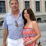 Sascha Hehn bleibt dem ZDF treu und bringt 2015 zu einem Empfang seine aktuelle Freundin Gloria mit.