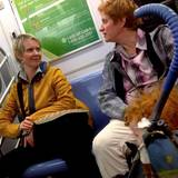 """Sex and the city""-Star Cynthia Nixon wird mit der Aktivistin Christine Marinoni in der Bahn gesichtet."