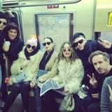 Get the Party startet! Auch Katy Perry ist sich nicht zu schade für die Bahn und postet diese Bild auf instagram.