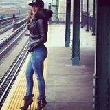 Wer möchte nicht gemeinsam mit Jennifer Lopez am Neujahrsmorgen auf die erste Bahn warten?