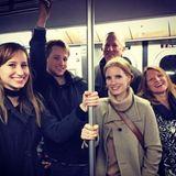 Wozu braucht man schon einen Bodyguard, wenn man vier Familienmitglieder um sich herum hat? Das dachte sich auch Jessica Chastain und nahm in New York die Subway.