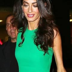Nicht erst seit ihrer Hochzeit mit George Clooney muss sich Amal Clooney fiesen Kommentaren bezüglich ihres Gewichts aussetzen. Die sehnigen, ausgemergelten Arme sprechen aber auch wirklich eine deutliche Sprache.