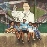Auf nach Südamerika: In Buenos Aires trifft David Beckham fußballbegeisterte argentinische Kids.