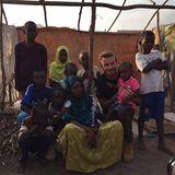 Dschibuti, Afrika  In dem kleinen Land in Ostafrika besucht der Kicker ein Flüchtlingscamp, das von der UNICEF unterstützt wird.