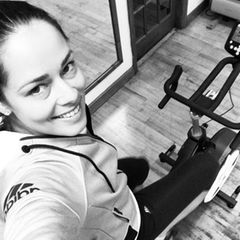 Tennisstar Ana Ivanovic erinnert ihre Instagram-Fans mit diesem Bild vom morgendlichen Sport an ihr Credo: Energie schafft Energie. MIt Sport am Morgen hole ise sich also Energie für den ganzen Tag.
