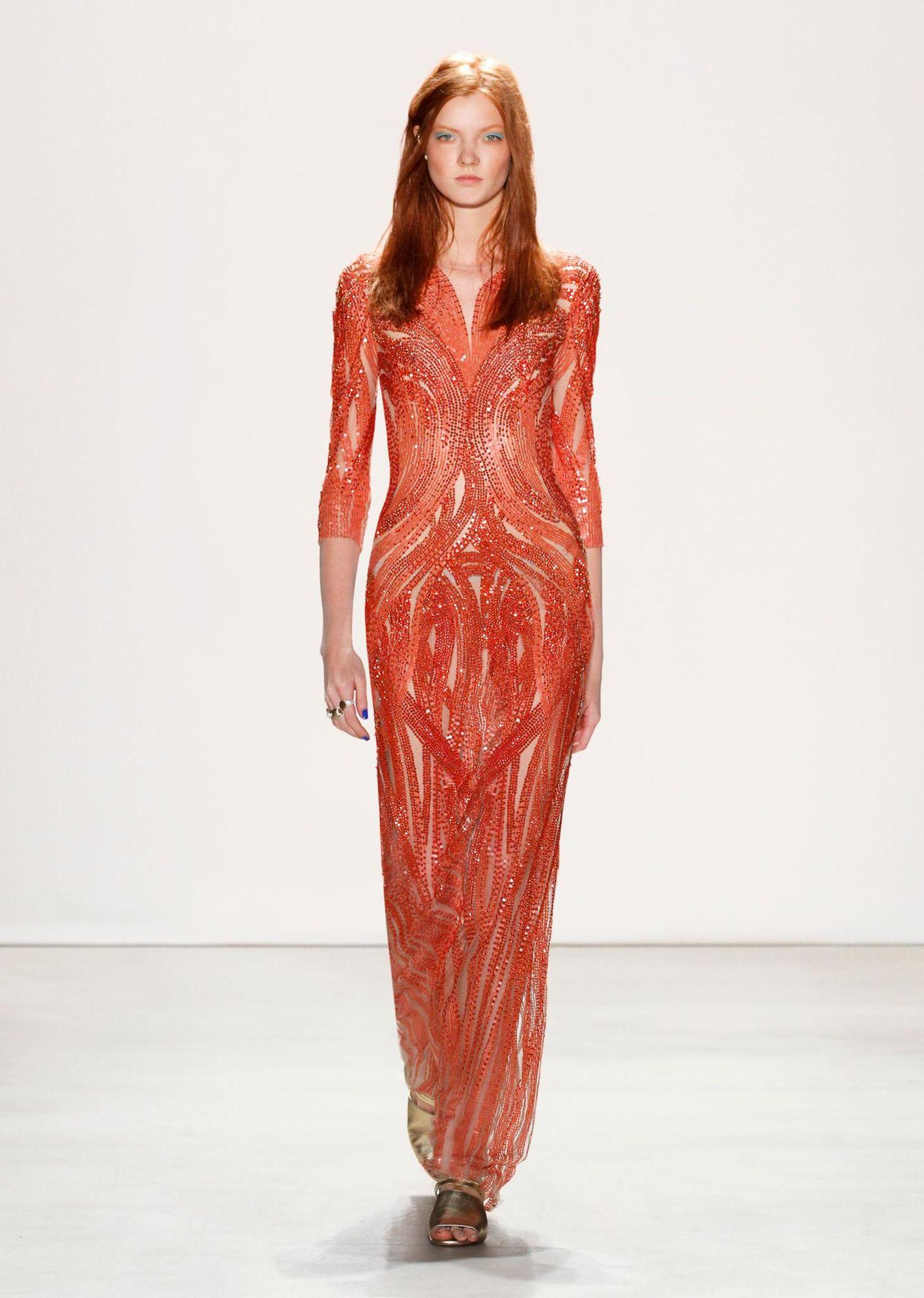 Jenny Packham F/S 2016: Das mit Pailletten überzogene Kleid mit Durchblick würde an Catherine bestimmt für viel Aufsehen sorgen.