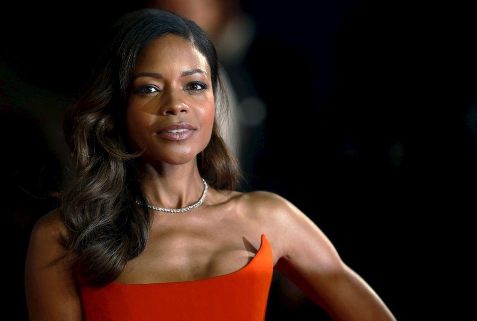 """Naomie Harris ist in """"Spectre"""" wieder als """"Eve Moneypenny"""" zu sehen."""