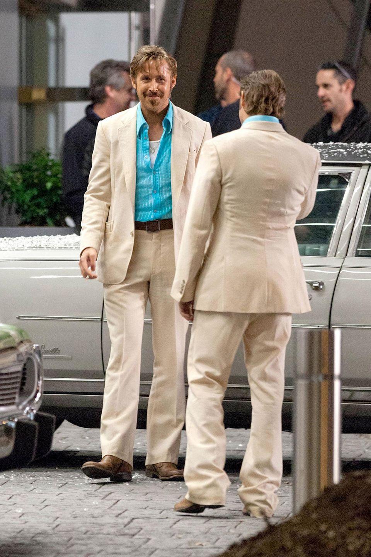 """Bei den Dreharbeiten für den Film """"The Nice Guys"""" in Atlanta steht Ryan Gosling ein Stunt Double zur Seite."""