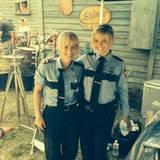 """Reese Witherspoon spielt in """"Hot Pursuit"""" eine Polizistin und postet ein Selfie mit ihrem Double."""