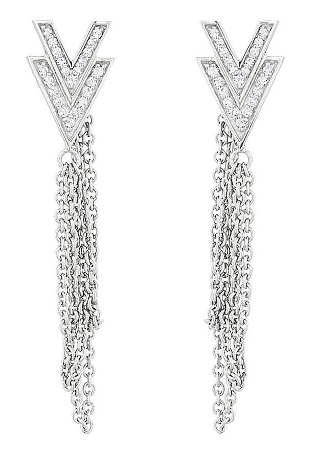 Kett-Walk: lange Silber-Ohrringe mit Zirkonia, von Jette, ca. 100 Euro, über Christ