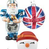 """1. Touchdown Baumfigur """"Football Santa"""" von Gerda Huesch, ca. 25 Euro; 2. Rule Britannia  Kugel """"Union Jack"""" mit Glitter. Von The Contemporary Home, ca. 6 Euro; 3. Keep Smiling  Baby-Schneefrau von Hoptimist, ca. 25 Euro, über www.conceptroom.de"""