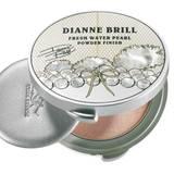 """Zarter Schimmer: """"Fresh Water Pearl Powder Finish – Wish Pearl"""" von Dianne Brill, ca. 27 Euro"""
