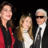 Prinzessin Caroline und ihre Tochter Alexandra sind gut gelaunte Frontrow-Gäste von Chanel-Designer Karl Lagerfeld.