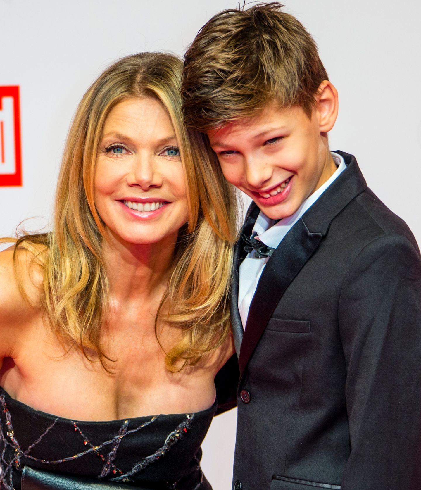 Ursula Karven hat ihren Sohn Liam mitgebracht.