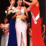 """1998 wurde Eva Longoria nämlich zur """"Miss Corpus Christi"""" in Texas gekürt."""