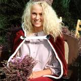 """Bekannt wurde Jenny Elvers nämlich als """"Heide-Königinnen 1990""""."""