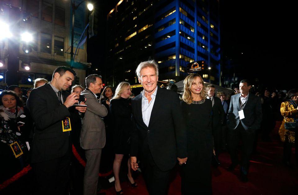 """""""Han Solo"""" Harrison Ford darf mit seiner Ehefrau Calista Flockhart bei einer """"Star Wars""""-Premiere auch nicht fehlen."""