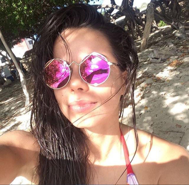 Die in Deutschland lebende brasilianische Sängerin und Schauspielerin Fernanda Brandao verbringt die Zeit im karibischen Paradies Curaçao.