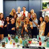 Schauspielerin Molly Sims feiert mit ihren Freundinnen ihren Geburtstag nach und die Mädels machen gemeinsam einen Cocktailkurs, genauer, wie macht man den perfekten Margarita. Klingt nach echtem Spaß!