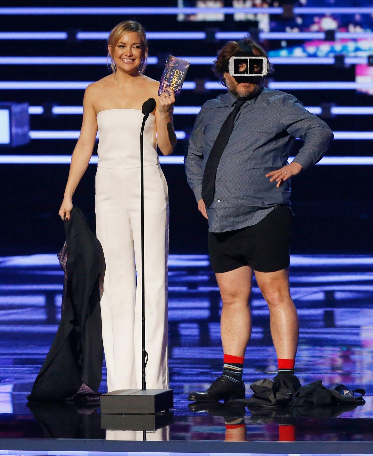 Jack Black soll mit Kate Hudson eigentlich nur einen Award überreichen, verliert sich dann allerdings etwas in der virtuellen Realität.