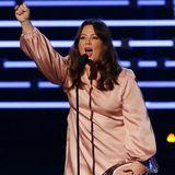 Melissa McCarthy nimmt den Award als Lieblings-Comedy-Darstellerin mit nach Hause.