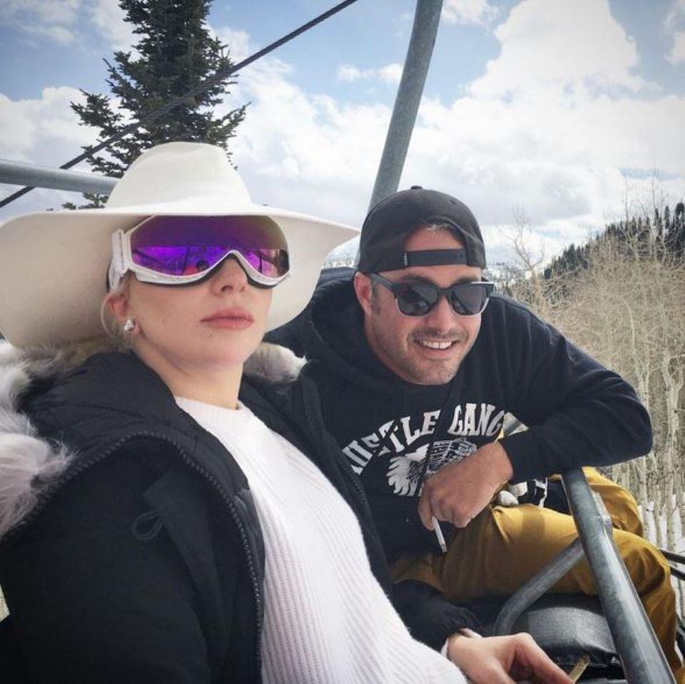 März 2016  Lady Gaga und Taylor Kinney erholen sich ein paar Tage im Skiurlaub.