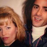 """Oktober 2016  Waren sie etwa schon als Teenager befreundet? Justin Theroux teilt dieses witzige Zahnspangenfoto von sich und Elizabeth Banks. Leider entstand es nicht in der Schule, sondern 2005 bei den Dreharbeiten ihres gemeinsamen Films """"Baxter - Der Superaufreißer"""", in dem sie ein Highschool-Liebespaar spielten."""