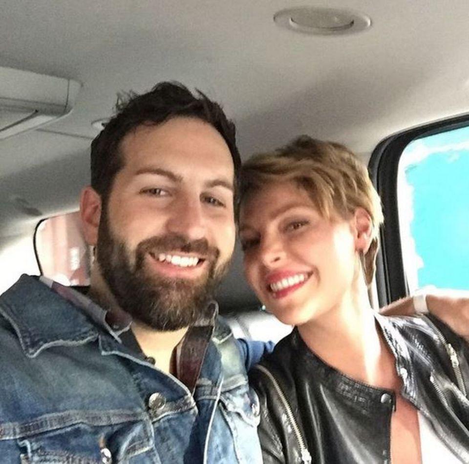 April 2016  Josh Kelley und Katherine Heigl zeigen sich auf Instagram mit diesem Wir-sind-immer-noch-sehr-verliebt-Selfie.