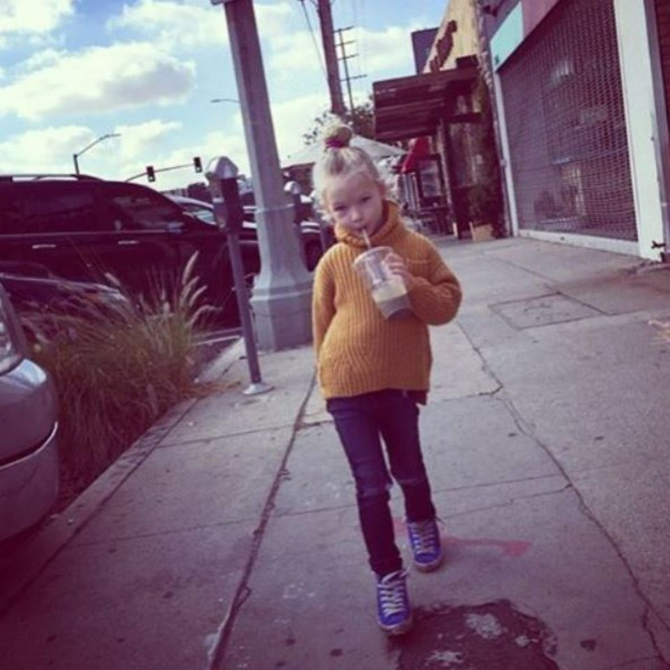 Januar 2016  Jessica Simpson zeigt auf Instagram, wie groß ihre Tochter geworden ist.