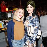 """Girls""-Star Jemima Kirke genießt die Party gemeinsam mit Katy Perry."