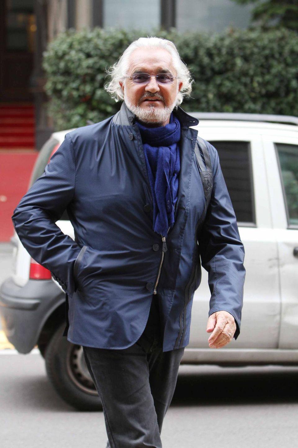 30. März 2016: Flavio Briatore schlendert bestens gelaunt durch Mailand.