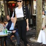 Supermodel Doutzen Kroes unterwegs in Paris. Und das natürlich wieder mit besonders viel Stil.
