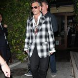 """30. Juni 2016: Johnny Depp kommt sichtlich angeschlagen aus dem Restaurant """"Ago"""" in Hollywood, wo eine kleine Gedenkfeier für seine erst kürzlich verstorbene Mutter stattfand."""